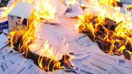 Хранить или спалить их беспощадно? Последствия уничтожения документов